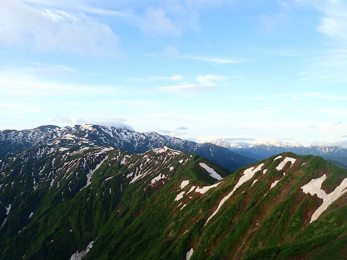 朝日岳と栂海新道