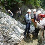 恐竜化石の発見を目的にした共同調査を新潟大学地質科学科と2010年から毎年実施